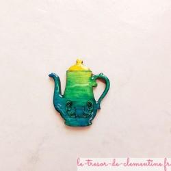 Magnet cafetière turquoise à jaune façon bijou aspect émail