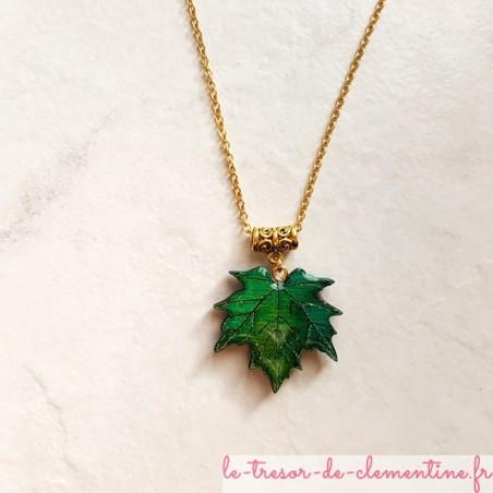 Collier feuille d'érable pendentif pour femme vert et or