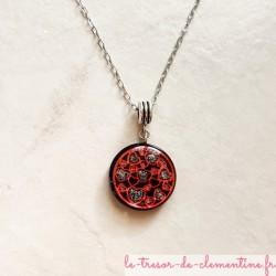 Collier pendentif artisanal coeur rouge et noir chaîne argent, créé par Clémentine Artisan d'art