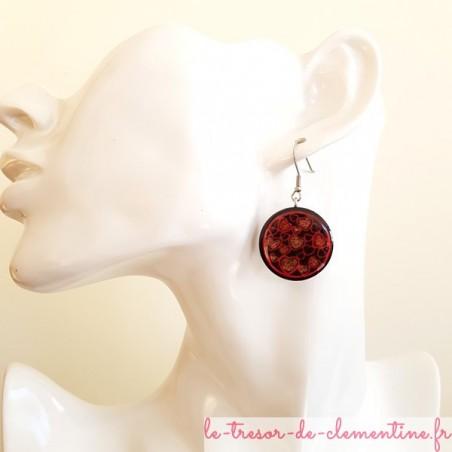 Boucle d'oreille pendante coeur rouge et noir