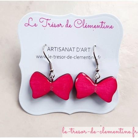 Boucle d'oreille bijou femme noeud papillon rose