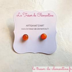 Petit bouton d'oreille, puce d'oreille ronde orange création artisanale