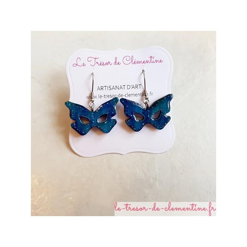 Boucle d'oreille femme masque papillon turquoise modèle unique