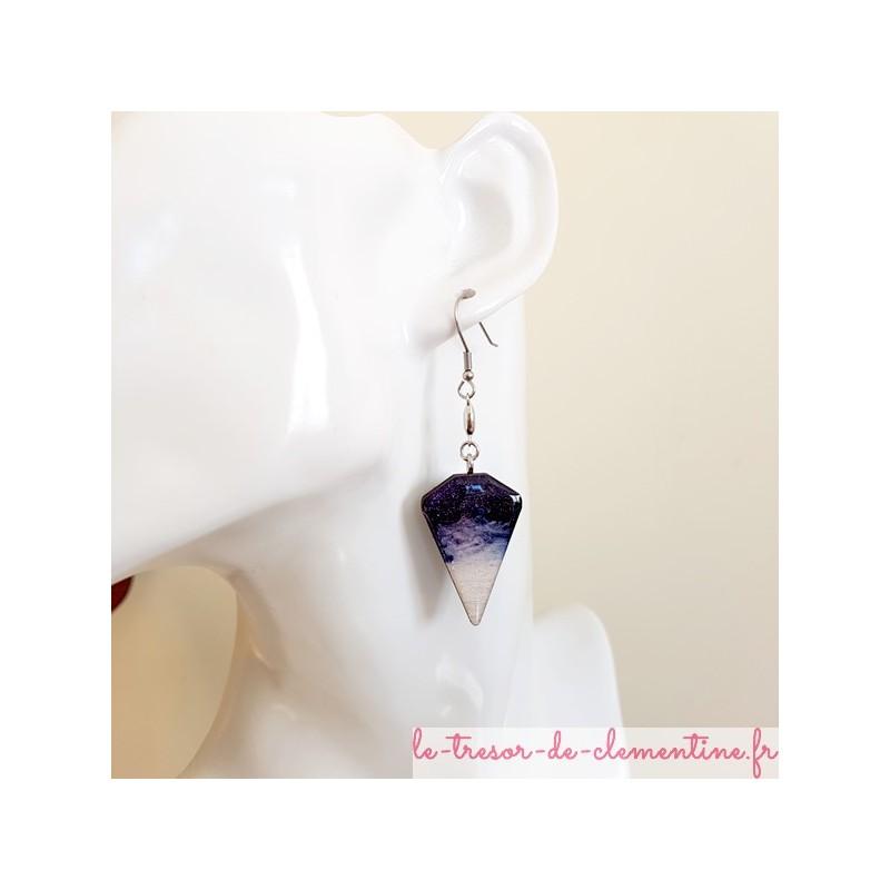 Boucle d'oreille artisanale violet blanc et pailleté triangle tronqué