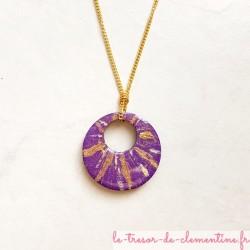 Collier artisanal violet et or chaîne dorée léger et confortable