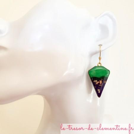 Boucle d'oreille pendante vert, violet et pailleté or triangle tronqué