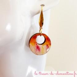 Boucle d'oreille femme très chic orange et blanc marbré, création artisanale française, aspect émail, pièce unique, légères et c