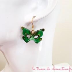 Boucle d'oreille fantaisie  masque papillon vert et doré bijou fantaisie femme artisanat d'art