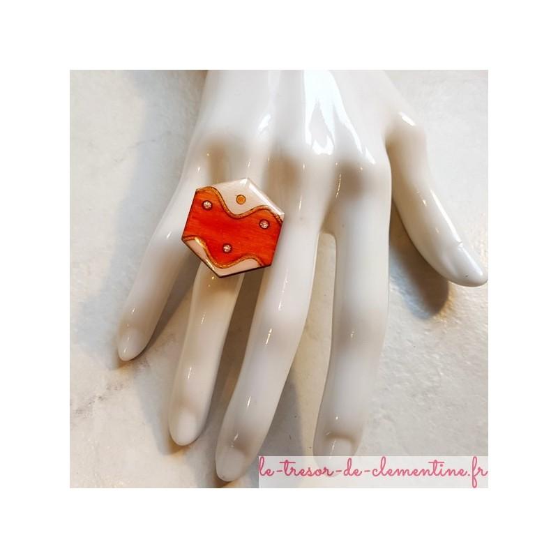 Bague artisanale hexagonale vague orange  blanc et argent support laiton plaqué argent bague pour femme réglable