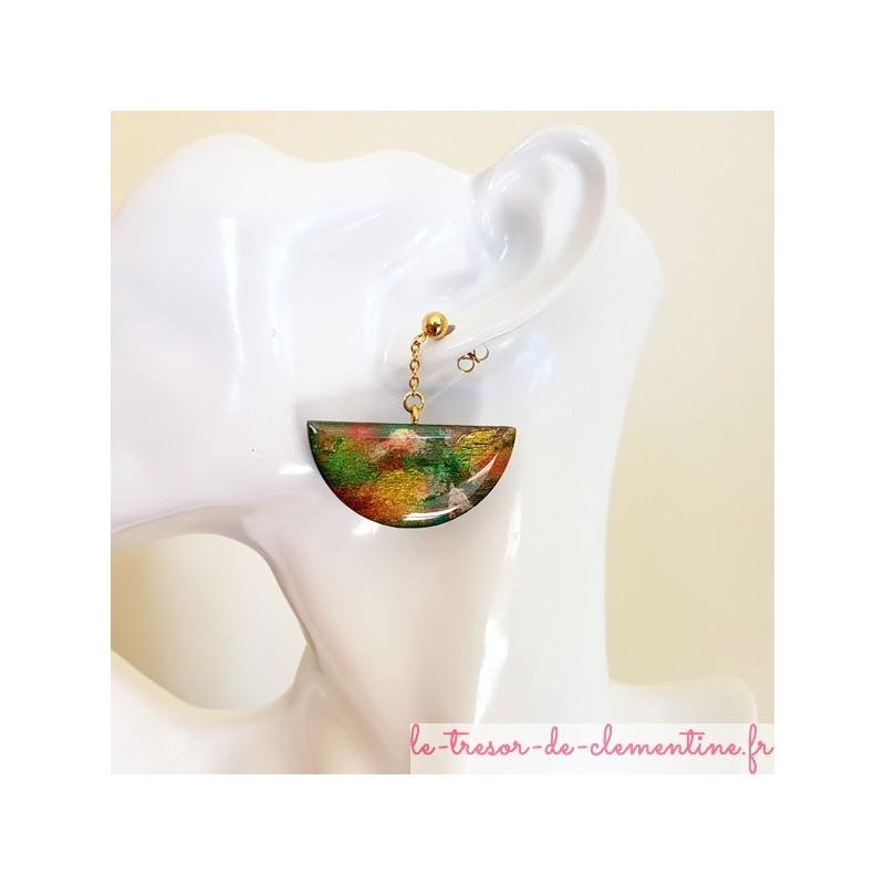 Boucle d'oreille femme forme demi-cercle tons verts doré et bronze